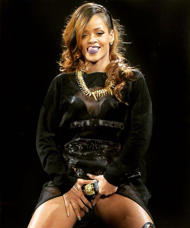 "6,206 Likes, 63 Comments - Rihanna Daily (@rihannadaily) on Instagram: ""Billboard named Rihanna's #BirthdayCake the greatest interlude of all time! 🎂 Click the #linkinbio…"""