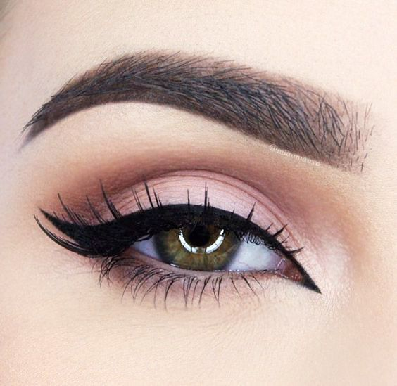 How to Do a Double-Winged Kitten Eye