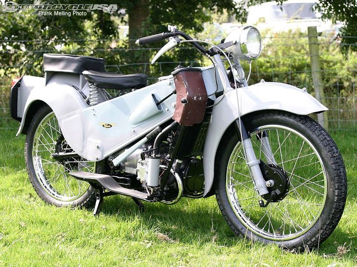 17 best images about bikes on pinterest norton motorcycle ducati and engine. Black Bedroom Furniture Sets. Home Design Ideas