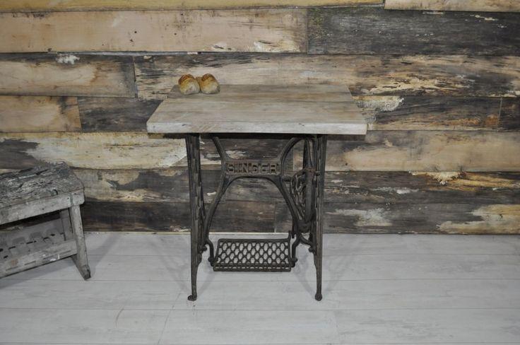 Meer dan 1000 idee n over naaimachine tafels op pinterest oude naaimachines naaimachine - Tafel josephine wereldje van het huis ...