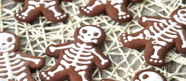 Scheletro-Biscotti per Halloween http://www.ricettedellanonna.net/scheletro-biscotti-di-halloween/