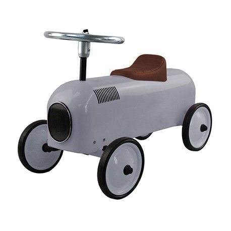 Originales y bonitos correpasillos racer perfectos para un regalo especial que quieras hacer a un niño. Realizados en metal con unos acabados muy sorprendentes.