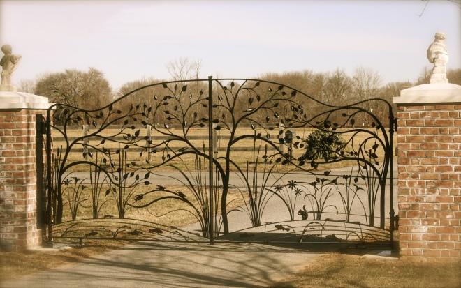 nature themed driveway gate
