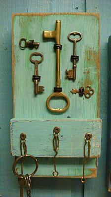 Key Holder Sea Glass Turquoise Vintage Skeleton by CastawaysHall