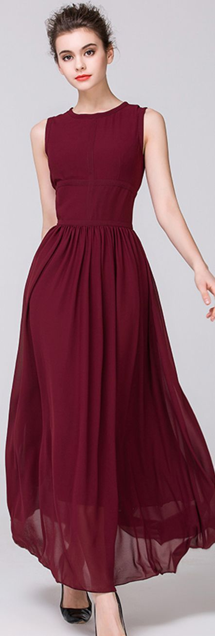 Burgundy Crew Neck Sleeveless Pleated Maxi Dress