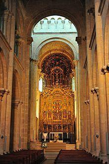 Interior Sé Velha de Coimbra – Wikipédia, a enciclopédia livre