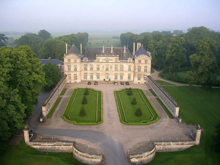 Château de Raray, a 17th century château in Picardie