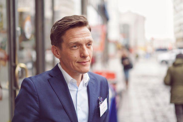 Luovat esimiehet rakentavat uutta. Uutta luovaa. Yhdessä Avi, Ely, Valvira ja muut. Turku 2/2017