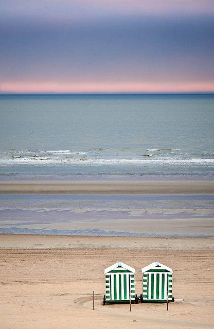 De Panne beach (Belgium) barefootstyling.com