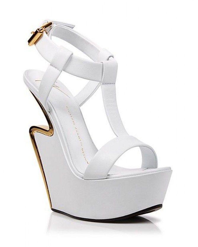 Los zapatos más raros de pasarela #shoes #zapatos #weirdshoes #zapatosraros