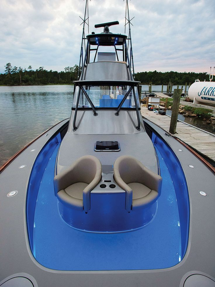 Walkaround Bow Jarrett Bay Grander 46 Boat