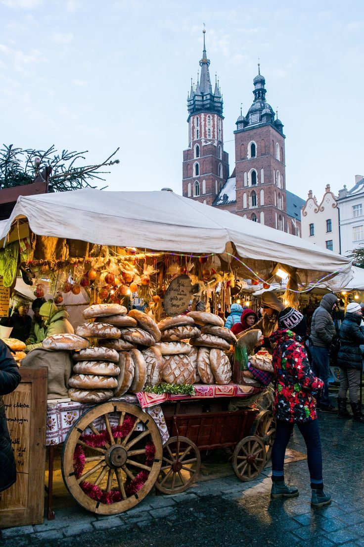 Poland Travel Inspiration - Krakow Christmas market, Poland