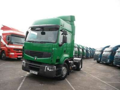 Just Added! Renault PREMIUM Truck For Sale in bright Green! http://www.trucklocator.co.uk/view-truck-for-sale.php?van=111563=Renault-REMIUM