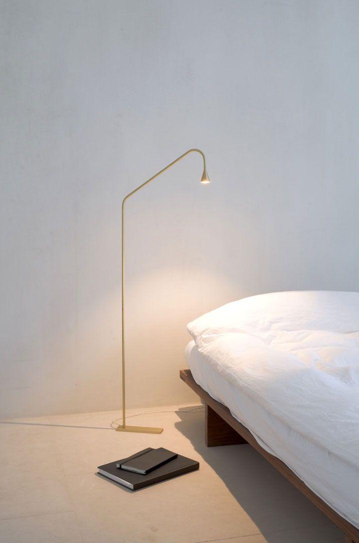 trizo21 austere free-standing lamp