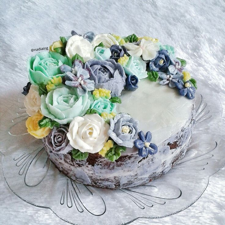 buttercream flower cake crescent