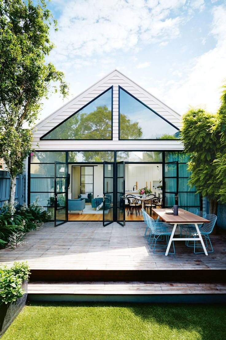 Scandinavian-style makeover in the heart of Melbourne. From the July 2016 issue of Inside Out magazine. Styling by Heather Nette King. Photography by Armelle Habib. Interior Design by Terri Shannon & Emma Hunting of Bloom Interior Design & Decoration. Available from newsagents, Zinio,www.zinio.com, Google Play, https://play.google.com/store/newsstand/details/Inside_Out?id=CAowu8qZAQ, Apple's Newsstand, https://itunes.apple.com/au/app/inside-out/id604734331?mt=8&ign-mpt=uo%3D4, and Nook.