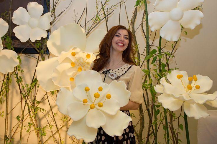 Атрибуты восторга  Гигантские цветы   бумажный декор   Санкт-Петербург