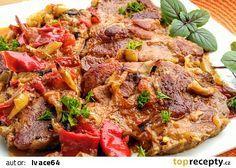 Krkovice naložená v hořčici, pečená s cibulí, paprikami a rajčaty recept - TopRecepty.cz