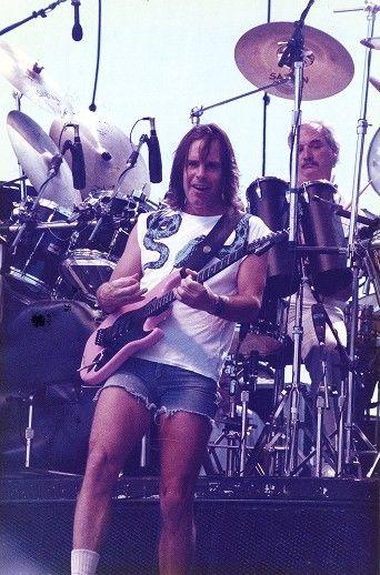 Bobby's Summer of 88 fave shirt. Grateful Dead: Bob Weir and Bill Kreutzmann