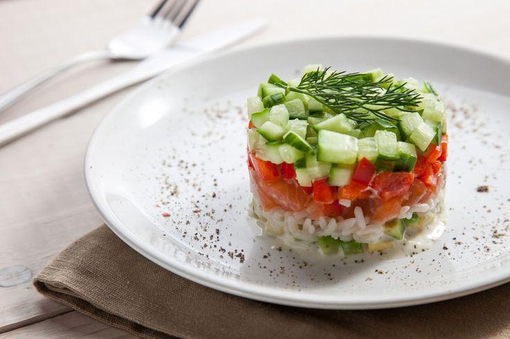 Салат с семгой, авокадо и рисом - пошаговый рецепт с фото: Вкусный, полезный и красивый. - Леди Mail.Ru