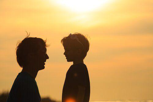 Disciplina e amore sono alla base dell'educazione di un bambino. Essere genitori è difficile, ma con alcuni accorgimenti faremo del nostro meglio
