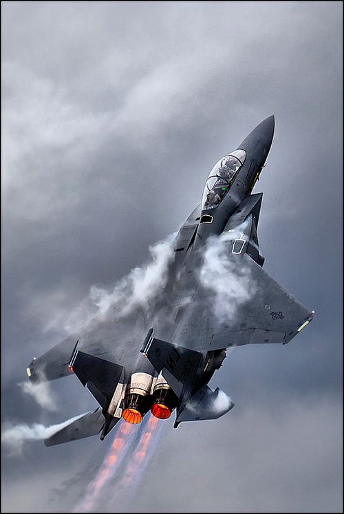 F15 after burners. before the F-22, this was the only aircraft is US' arsenal that had enough thrust to climb and gain speed.