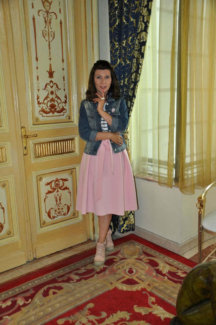 pink skirt midi style