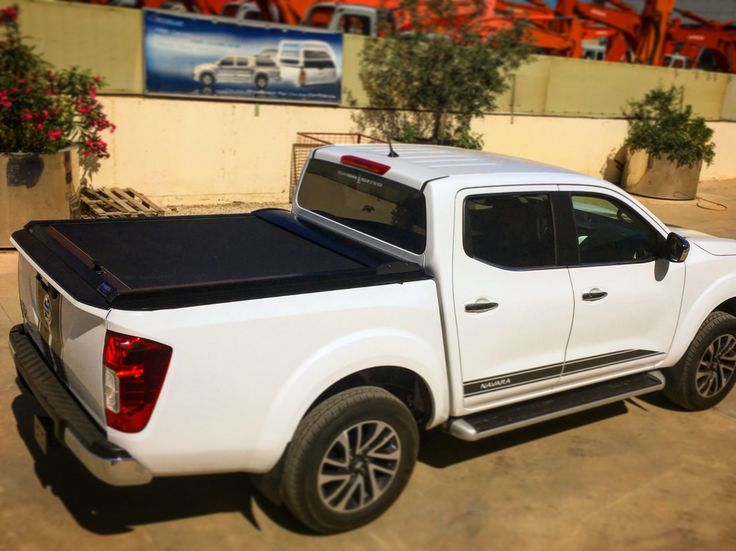 #4x4accessories1 #Nissan #NP300 #2016+ #double #cab #aluminum #roller #lid #shutter (SOT-ROLL #series) by #Tessera4x4 #accessories #painted #blackmatt #sport #attitude #special #mold #nodrill #hugs #100% #side #railpart. Check all the range only at http://www.accessories-4x4.com/Product/412/Instance/3441/en/