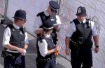 Polisi London: Tersangka serangan parlemen Inggris bertindak sendirian  LONDON (Arrahmah.com)  Polisi London pada Sabtu (25/3/2017) mengatakan tersangka tampaknya telah bertindak sendirian dalam serangan teror di luar parlemen Inggris pada Rabu (22/3) yang menewaskan empat orang dan melukai puluhan lainnya.  Neil Basu dari kepolisian mengatakan serangan itu berlangsung hanya 82 detik sebelum Khalid Masood ditembak mati lansir WB.  Kami masih meyakini bahwa Masood bertindak sendirian pada…