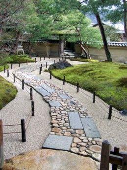 Japoński rozmiar video niwaki Hortiterapia niwakitherapie Frederique Dumas szkolenia medytacji wywiad staż w banku coachingu ogrody Zen ogrody japońskie japoński łóżko i śniadanie narzędzia