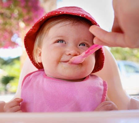 Little Foodie on the Fly: #DisneyBaby Tips for On-the-Go Eating