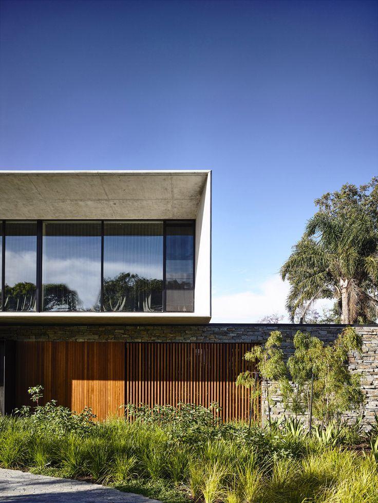 Modern Concrete House With Glass Walls: Best 25+ Modern House Facades Ideas On Pinterest
