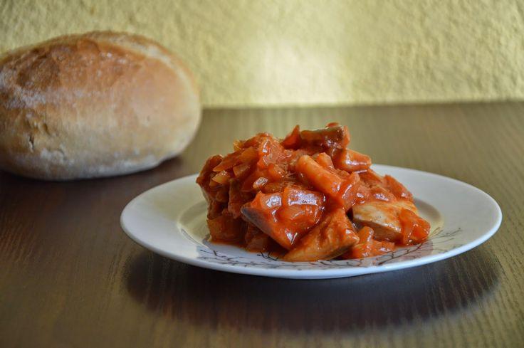 Passions, hobbies, life: Śledzie w sosie pomidorowym