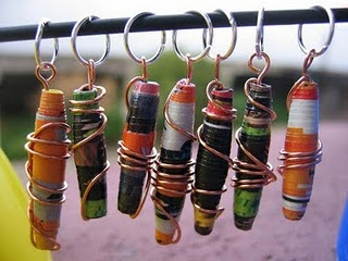 Instructions to make paper beads.  These look cool and seem easy to make!