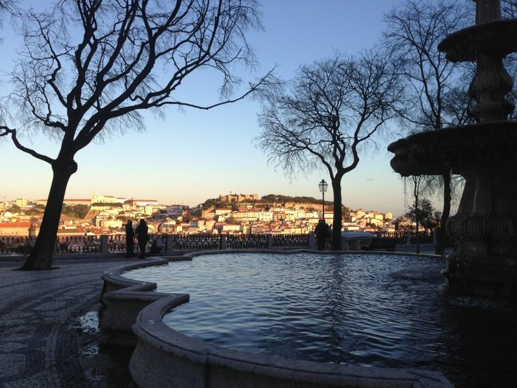 """Mirador em Lisboa // Post about a gastronomic expedition in Lisbon call """"Lisbon is Served"""". By Raphaella Perlingeiro e Bruno Moreira-Leite. 15 days eating and discovering this amazing city! Yeah! #gastronomie #restaurants #lisbon #portugal #foodies #lisboa #gula #raphinadasblog #lisboanamesa"""