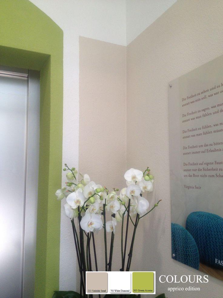 """Mit Farbe kann soviel erreicht werden. In diesem Fall wurde mit den apprico Colours aus einem tristen weißen Vorraum ein warmes """"Willkommen"""".   #appricoColours #fengshui #Farbgestaltung #Farbkonzepte #5Elemente #interiordesign #lustauffarbe #inspiredbynature #Raumgestaltung"""
