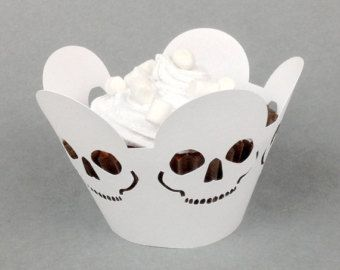 12 halloween teschio cupcake wrapper (pearlescent white paper)