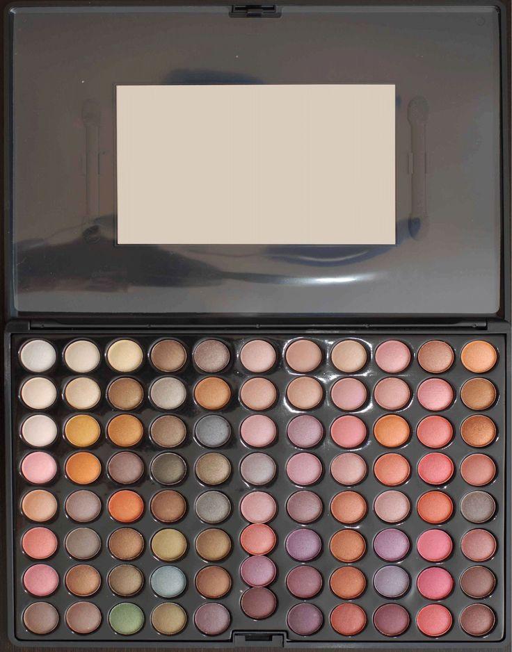 Trusa de farduri cu 88 de culori neutre metalizate disponibila pe www.paletutze.ro