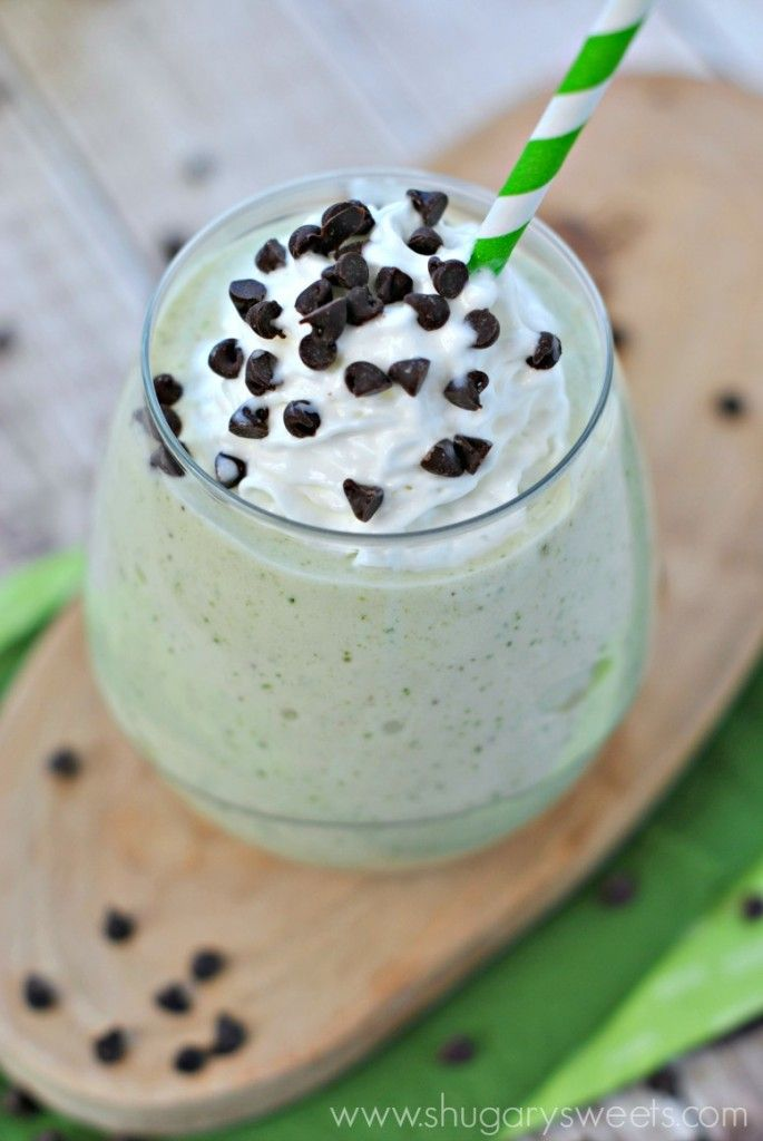 Skinny Shamrock Shake: made with frozen bananas, fat free milk, and mint! So easy and the perfect post workout treat! @Shugary Sweets