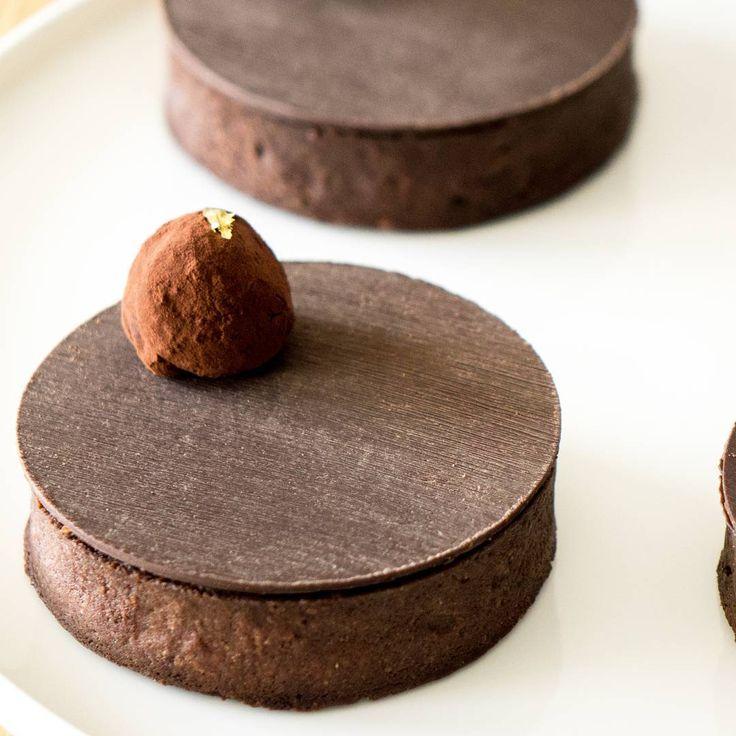 Recette des tartelettes au chocolat et praliné croustillant.