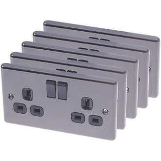 Order online at Screwfix.com. Twin earth, single pole sockets with in-line terminals and black inserts. Raised edge decorative power sockets to complement any interior décor. FREE next day delivery available, free collection in 5 minutes.