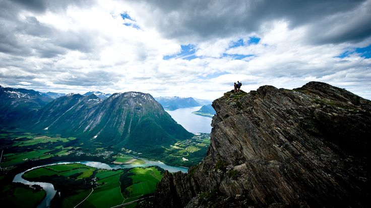 Romsdalseggen Ridge, Norway - HIKING