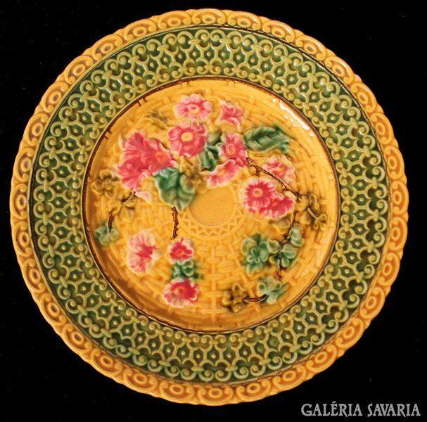 http://galeriasavaria.hu/termekek/reszletek/keramia/534788/Villeroy-Boch-Schramberg-tanyerok-6-db-1883-1912-/