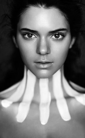 Kendall Jenner | make-up | silhouette | black and white | stripes