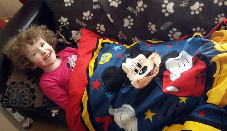 7lb Weighted Mickey Mouse Comforter Blanket €95 from www.adamandfriends.ie