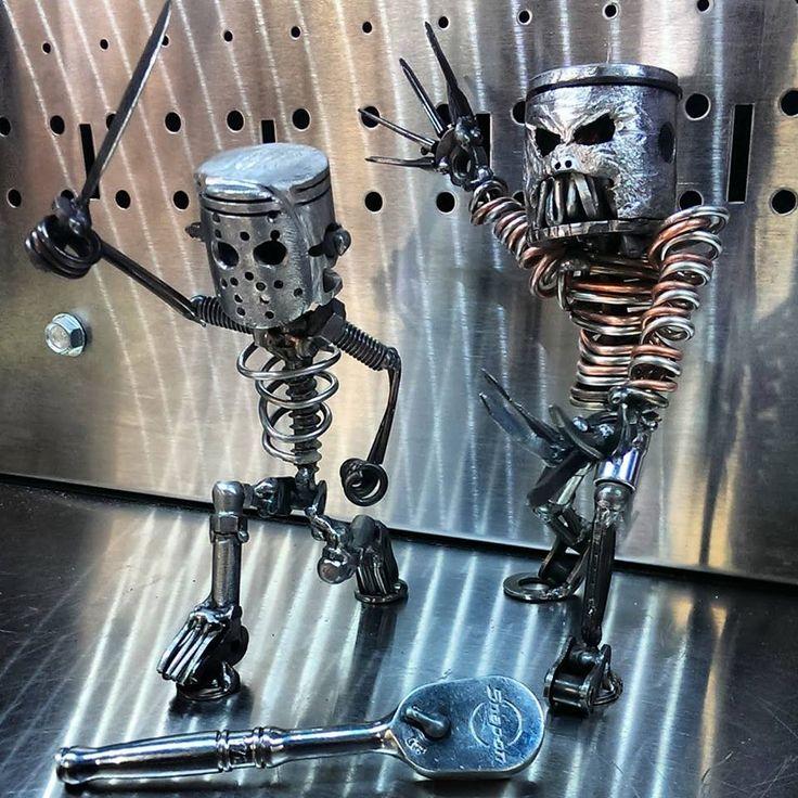 фото скелетов человека из автомобильных запчастей смайлик, который хотим