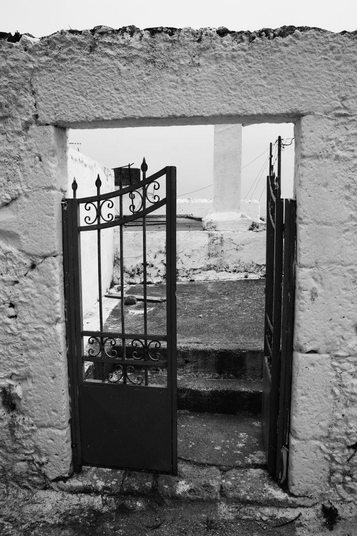 Old garden. Black & White.  Crete. Greece Photo: http://se.pinterest.com/berggren_f