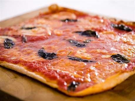 Přidáte-li na pizzu Margherita ančovičky, získáte pikantní Napoletanu