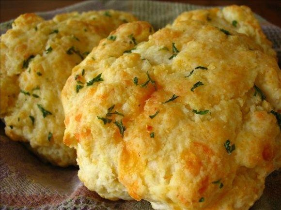 Cheddar Cheese Biscuit Recipe using Bisquick pancake mix: Red Lobster's Cheddar Bay Biscuit Spinoff