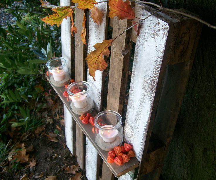 Heute zeige ich euch ein  Paletten Deko Tutorial mit dem man Garten oder Wohnung ganz einfach verschönern kann. Aus einer einfachen Palette zaubern wir ganz schnell einen riesigen Kerzenständer aus dem man aber auch ganz einfach ein kleines Regal machen kann.